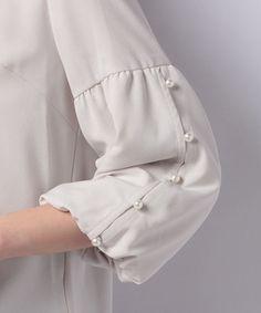 Kurti Sleeves Design, Sleeves Designs For Dresses, Dress Neck Designs, Stylish Dress Designs, Stylish Dresses, Iranian Women Fashion, Pakistani Fashion Casual, Muslim Fashion, Dress Shirts For Women