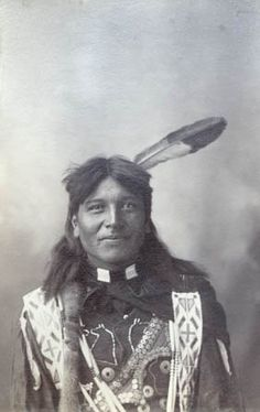 Standing Elk - Omaha – 1898 . such a lovely face
