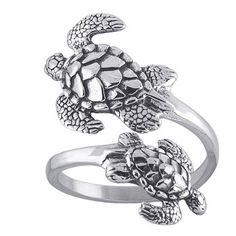 Sea Turtle Ring...I would love to have this w/ honey bees!!