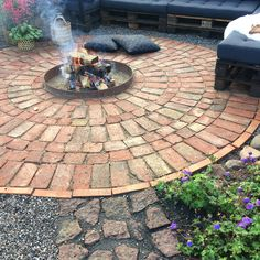 Small Backyard Gardens, Outdoor Gardens, Flower Power, Rum, Exterior, Landscape, Green, Outdoor Decor, Inspiration