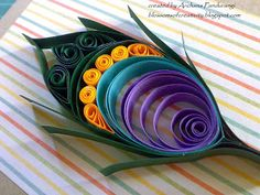 Blossoms of Creativity: QUILLED PEACOCK FEATHER