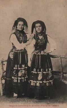 imagens scrapbook - OneDrive Minho, Folk Costume, Costumes, Cultural, Portuguese, Scrapbook, Romance, Faith, Fashion