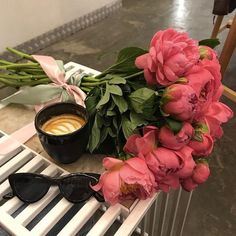 Flowers Nature, Pink Flowers, Beautiful Flowers, Bouquet Box, Flower Aesthetic, Aesthetic Fashion, Botany, Flower Power, Peonies