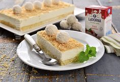 Prajitura Raffaello cu nuca de cocos (CC Eng Sub) Romanian Food, Romanian Recipes, Fabulous Foods, Gluten Free Recipes, Coco, Free Food, Tiramisu, Cheesecake, Birthday Cake