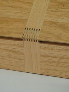 Decorative Boxes : Wood Hinge box -Read More – Dremel Projects, Carpentry Projects, Diy Wood Projects, Wood Crafts, Woodworking Hinges, Woodworking Furniture, Wood Furniture, Woodworking Techniques, Woodworking Projects