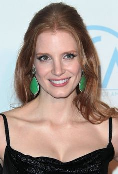 Jessica Chastain Simple Easy Half Up Half Down Hairdo | Hairstyles Weekly