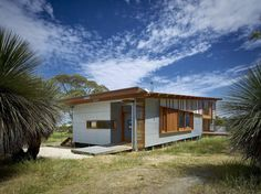Located in South Australia, Waitpinga House is a family retreat designed by Mountford Williamson Architecture. Shed Plans, House Plans, House Cladding, Metal Cladding, Concrete Block Walls, Clad Home, Sustainable Design, Interior Design Living Room, Outdoor Spaces