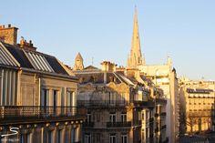 Magnificient views over #Paris from La Trémoille. Explore more hotel recommendations in #sisterMAG8. Photo: @Lindsey Tramuta