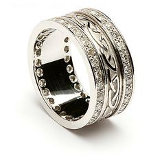 This is a truly luxurious Celtic wedding band, featuring the timeless Celtic knot design, trad. Irish Wedding Rings, Celtic Wedding Bands, Diamond Wedding Rings, Diamond Rings, Celtic Knot Ring, Celtic Rings, Ring Designs, Ring Verlobung, Engagement Ring Settings