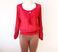 #blusa en #color vino con #bordado y #cordón linda y #conservadora