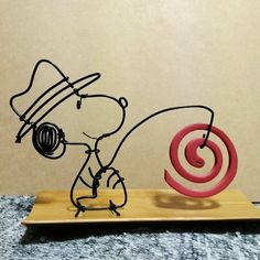 Crafts To Make, Arts And Crafts, Stylo 3d, Copper Wire Art, Wire Crafts, Metal Art, Wire Wrapping, Snoopy, Projects To Try