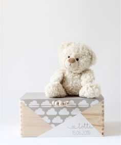Toy Boxes, Gift Boxes, Box With Lid, Made Of Wood, Treasure Chest, Wooden Beads, Chalk Paint, Kids Room, Teddy Bear