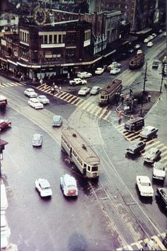 The intersection at Taylor Square . Looking South East from a elevated position above the corner of Oxford Street and Bourke Street, in Sydney. Photo shared by the City of Sydney Archives. Old Pictures, Old Photos, Sydney City, House Under Construction, Moore Park, Street Run, Cities, Oxford Street, Aussies