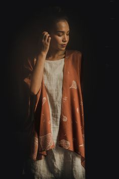 Our easiest, effortless outer for those days when you want to feel extra special. And don't get us started on this rare coral color, a non-replicable hue resulting from the combination of sustainably-sourced Mahogany woods, sunshine, and ocean breeze :) Coral Color, Breeze, Hue, Woods, Sunshine, Kimono Top, Ocean, Silk, Fashion