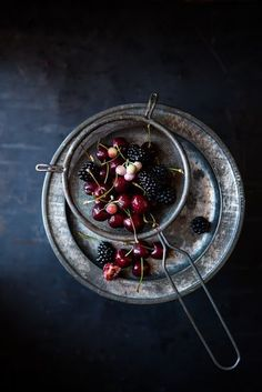 Dark and Moody Food Stories, shooting Chiaroscuro style by photographer Nadine Greeff #nadinegreeff