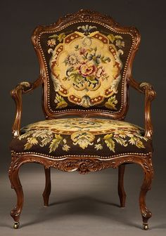 Vintage Furniture on sale Victorian Furniture, Deco Furniture, French Furniture, Classic Furniture, Home Decor Furniture, Antique Furniture, Furniture Design, Furniture Outlet, Old Chairs