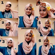 Gambar Tutorial Hijab Pesta Dengan Aksesoris Bunga BhjREra77