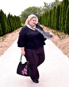 """Happy Tuesday peeps!  My latest blog post """"Ashley Fits The Bill -Part 1"""" featuring this look care of @lanebryant is now live.  Click the link in my bio for all the details.  by @r.skuja_photographer   #LaneStyle   #psstyle   #psfashion   #psblogger   #plussizestyle   #plussizefashion   #plussizeblogger   #plusmodel   #torontostyle   #torontoblogger   #celebratemysize   #pmmlovemybody   #daretowear   #goosfullfiguredfriday   #goldenconfidence   #skorchmagazine   #ownyourcurves…"""