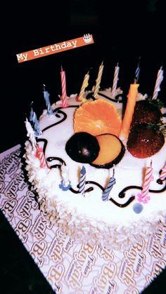 Happy Birthday Chocolate Cake, Happy Birthday Cake Images, Birthday Chocolates, Birthday Poems, Happy Birthday Quotes, Birthday Wishes, Girly Pictures, Food Pictures, Chocolate Cream Cake
