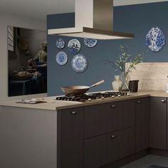 Landelijke Keuken Irvine. Woonkeuken met alle comfort om de meest smakelijke gerechten te bereiden. En alle ruimte om samen bij te kletsen of van de maaltijd te genieten. | landelijke keukens | keuken landelijk | keuken ideeen | keuken inspiratie | kitchen inspiratie | droomkeukens | design kitchen ideas | keukens vlaardingen | #iemms #iemmskeukens | iemms.nl #keuken #keukens Robin, Furniture, Design, Seeds, Home Furnishings, European Robin, Robins, Arredamento