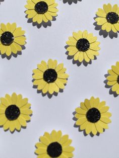 Image of Sunflowers - sq. Sunflower Images, Something Beautiful, Framed Artwork, Floral, How To Make, Handmade, Gifts, Hand Made, Presents