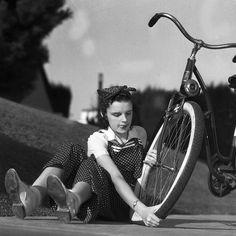 Fotos antiguas de bicicletas: Judy Garland
