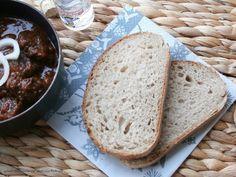Kváskový chlieb s tang zhong Russian Recipes, Bread Baking, Banana Bread, Cooking, Desserts, Food, Breads, Polish, Basket