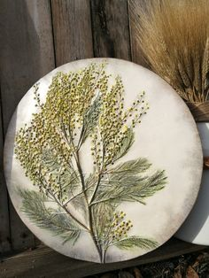 Impression of natural herbs in plaster. Such pictures with herbs fill the house up with summer light, elegance, refinement, and natural beauty.  Natural Herbs, Natural Stones, Ceramic Pottery, Ceramic Art, Amazing Flexibility, Light Elegance, Botanical Decor, Spring Home Decor, Aesthetic Room Decor