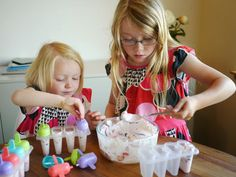 Little Hiccups: Cooking with Kids: Fruit Yoghurt Popsicles
