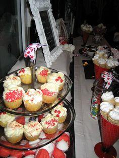 #CandyBar para bodas, eventos y fiestas. Decoramos y personalizamos mesas dulces y saladas endulzando momentos