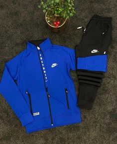Sports Tracksuits, The North Face, Jackets, Fashion, Men's Clothing, Men, Down Jackets, Moda, Fashion Styles