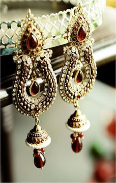 Gold Kundan Jhumka