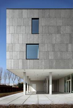 Ideas exterior stone cladding ideas for 2019 Stone Cladding Exterior, Exterior Stairs, Stone Facade, House Paint Exterior, Exterior House Colors, Wall Exterior, Architecture Design, Facade Design, Exterior Design