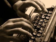 """O Espaço Telezoom promove no mês de Agosto uma aula gratuita de apresentação do curso de Laboratório de Roteiro. O curso, coordenado por Celso Taddei e Marcio Trigo, é uma oportunidade única e sem igual para todos os interessados em aprofundar seus conhecimentos em dramaturgia. A aula, que será uma Roda de Autores, fará um...<br /><a class=""""more-link"""" href=""""https://catracalivre.com.br/geral/rede/barato/aula-inaugural-gratuita-laboratorio-de-roteiro/"""">Continue lendo »</a>"""