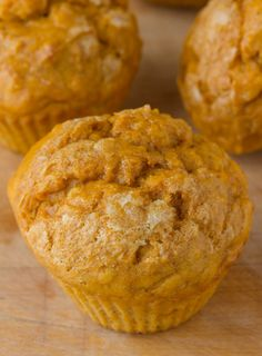 Healthy Banana Pumpkin Muffins are low-fat, easy to make and sugar free 30 days of pumpkin season