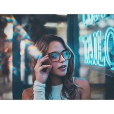 Find images and videos about girl, photography and hair on We Heart It - the app to get lost in what you love. Light Photography, Portrait Photography, Fashion Photography, Photography Ideas, Photography Series, Poses, Ft Tumblr, Brandon Woelfel, Night Portrait