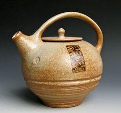 Half-gallon Teapot, Lee Daniels