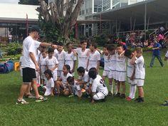 Niños de Guararí celebraron su día jugando fútbol