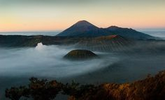 0182 A ring of clouds--Mt Bromo , Indonesia