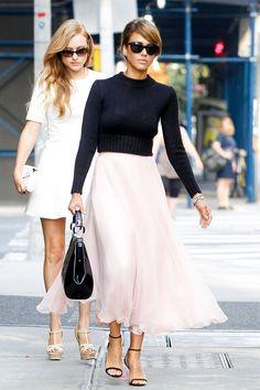 Celebstyle: Jessica Alba in Carrie-Rok - Fashionscene - Fashion, Beauty, Models, Shopping, Catwalk