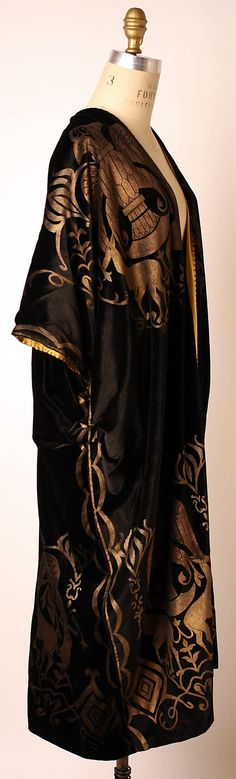 Evening coat Attributed to Vitaldi Babani (French, born Middle East, active 1895–1940) Date: early 1920s Culture: Italian Medium: silk.