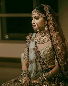 The bridal jewellery is the highlight of the wedding. Different and beautiful Indian bridal jewellery is every girl's desire.A bride is said to be Indian Bridal Fashion, Indian Bridal Wear, Indian Wedding Outfits, Indian Outfits, Bride Indian, Punjabi Bride, Eid Outfits, Indian Bridal Lehenga, Indian Girls