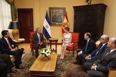 Encuentro de Su Majestad la Reina con el Presidente de El Salvador, en compañía de las respectivas delegaciones. Casa Presidencial. San Salvador (El Salvador), 28.05.2015