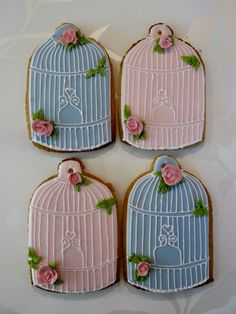 Birdcage cookie favours in blue and pink