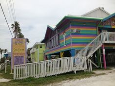 Want to know all about the best things to do on #AnnaMariaIsland? Check out this blog for all things fun, exciting and yummy!