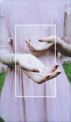 دستانت بوی بهشت میدهند* این را درون کتابی خواندم که تو را پیدا کنم درونش *مصطفی_مستور #کیوان_میرشاهی