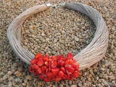 Necklace linen natural red coral handmade by on Etsy Rope Jewelry, Jewelry Art, Beaded Jewelry, Jewelery, Handmade Jewelry, Jewelry Design, Lino Natural, Natural Red, Fabric Necklace