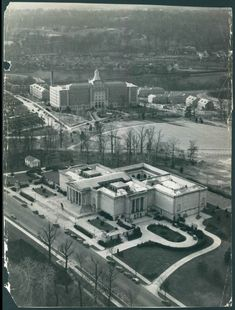 The Baltimore Marine Hospital and Baltimore Museum of Art are seen from the air in 1939. (Robert F. Kniesche / The Baltimore Sun)