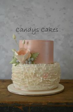 Ruffles and Lustre - Cake by candyscakes