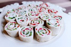 Christmas Tortilla Rollups by The Pioneer Woman Cooks Ree Drummond The Pioneer Woman, Pioneer Woman Recipes, Pioneer Women, Christmas Appetizers, Christmas Treats, Christmas Parties, Horderves Christmas, Christmas Buffet, Christmas Christmas